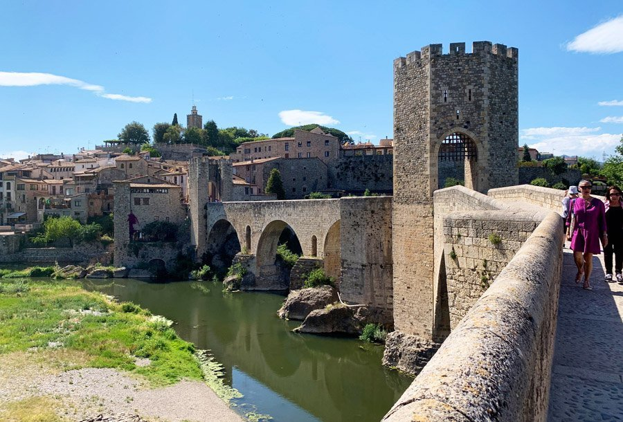 puente besalu Girona